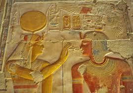 Pharaoh Sety I receives the Key of Life from the goddess Isis and therewith the entry to experiencing oneness in all that is.
